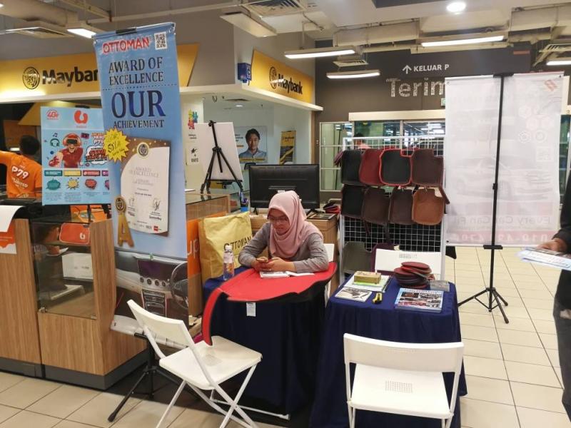 indoor exhibition 10