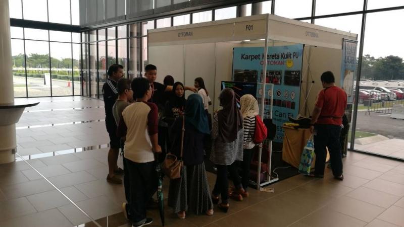 indoor exhibition 15